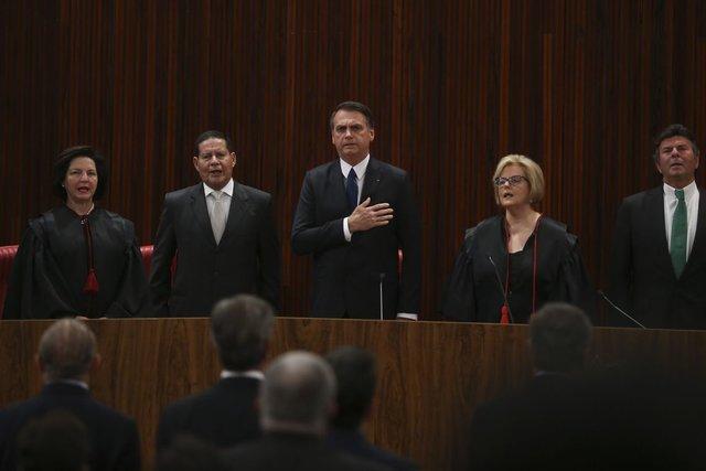 Bolsonaro pede, em diplomação, confiança daqueles que não votaram nele - Gente de Opinião
