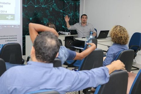 Colaboradores do Sebrae em Rondônia participam de curso de apresentação de alto impacto