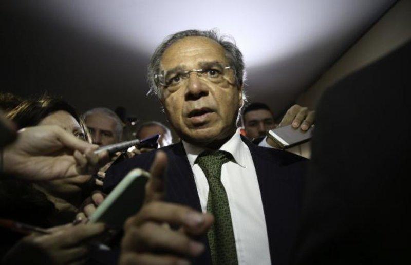 Futuro ministro Paulo Guedes diz que pretende cortar até 50% das verbas do Sistema S