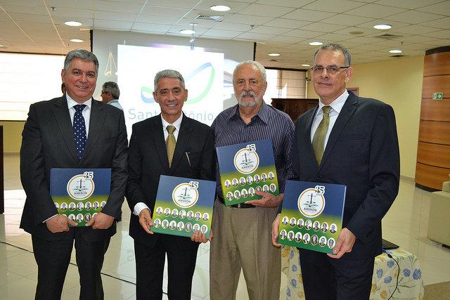 Ameron lança livro que conta a história dos 35 anos da magistratura rondoniense - Gente de Opinião