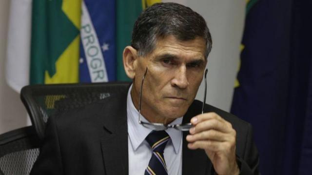 Ministro Santos Cruz diz que governo estará aberto para movimentos sociais - Gente de Opinião