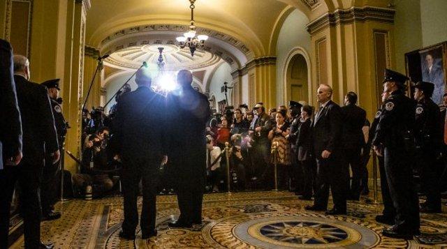 Presidente Trump e vice-presidente Pence chegam no Capitólio. (Foto oficial da Casa Branca por Tia Dufour) - Gente de Opinião