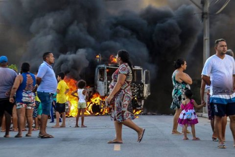 Jair Bolsanaro: Ações criminosas ocorridas no Ceará tem que ser consideradas terrorismo.