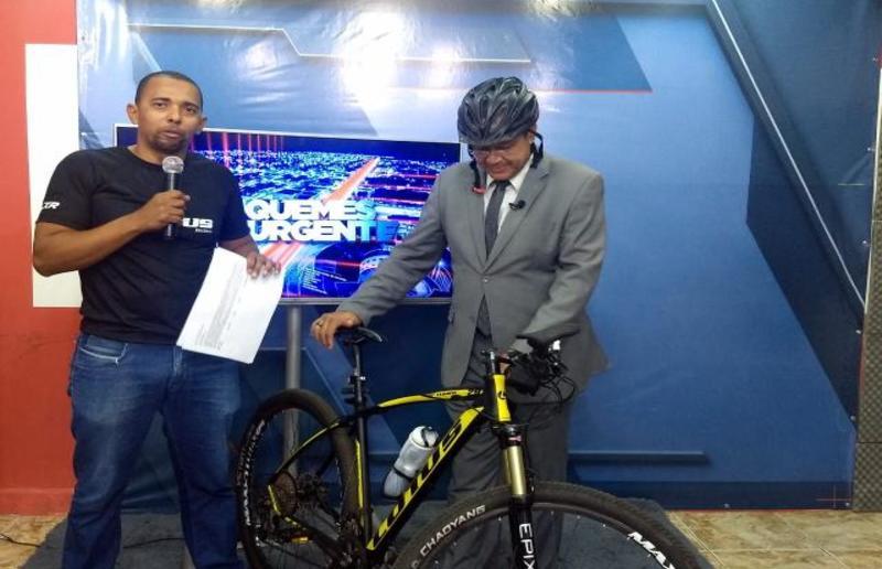 Deputado diplomado Jhony Paixão visita Ariquemes e apresenta abaixo assinado para inclusão de ciclovias e ciclofaixas