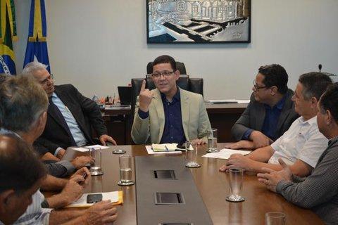 Rondônia: Desenvolvimento dos municípios pautou a primeira reunião da AROM com Governo