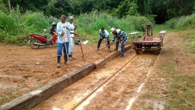 REINSERÇÃO SOCIAL: Apenados realizam limpeza nos trilhos da Estrada de Ferro Madeira-Mamoré - Gente de Opinião