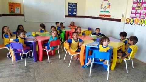 Semed investe em aquisição de mobílias para escolas