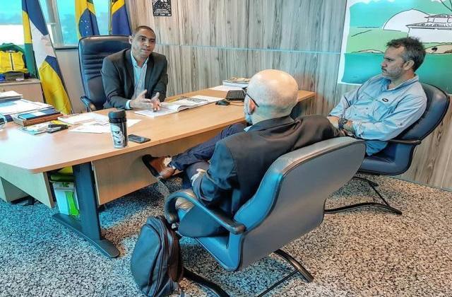 Vereador Aleks Palitot busca apoio do Executivo Estadual