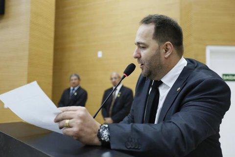 Alex Redano denuncia incêndios criminosos em Cujubim e pede apoio do Corpo de Bombeiros