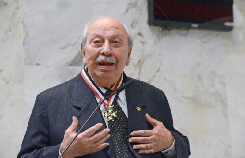 ASSEMBLEIA DE SÃO PAULO HOMENAGEIA EX-MINISTRO ALMINO AFFONSO