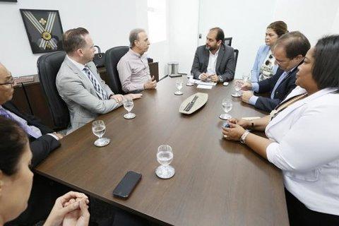 Presidente do Hospital de Amor busca parceria com a Assembleia Legislativa