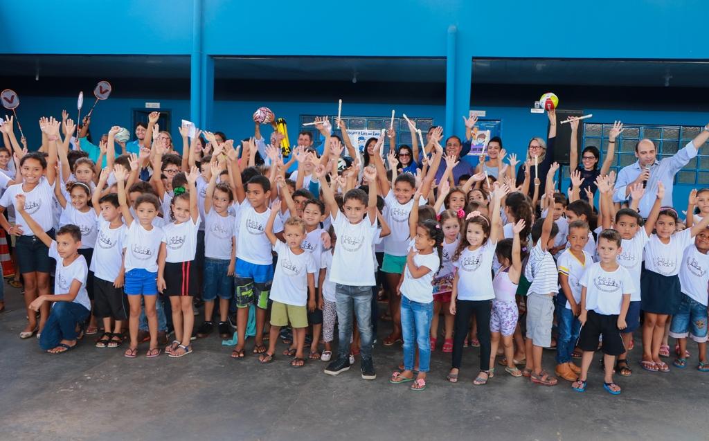 25b3ee22c Prefeitura de Ji-Paraná entrega material esportivo e kits musicais ...