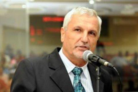 Deputado Adelino Follador cobra solução para estradas vicinais