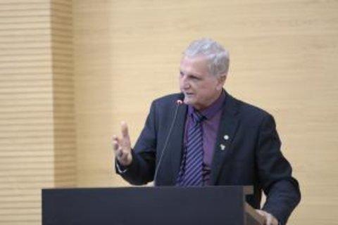 Adelino Follador apresenta projeto de Lei que dispensa licenciamento ambiental na extração de cascalho