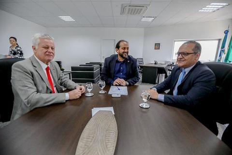 Laerte Gomes recebe nova cúpula do Ministério Público de Rondônia