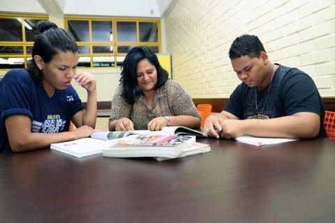Alunos que deixaram escola e ingressaram no Projeto Asas do Saber fazem o Enem e chegam à Faculdade