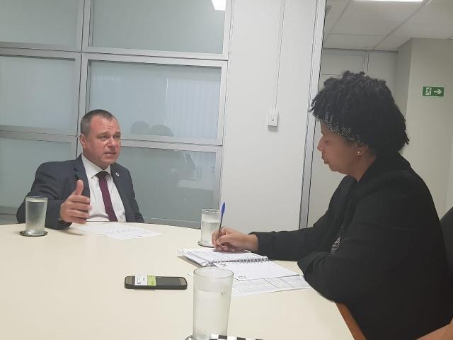 Deputada Silvia Cristina pede mais médicos para atender a população - Gente de Opinião