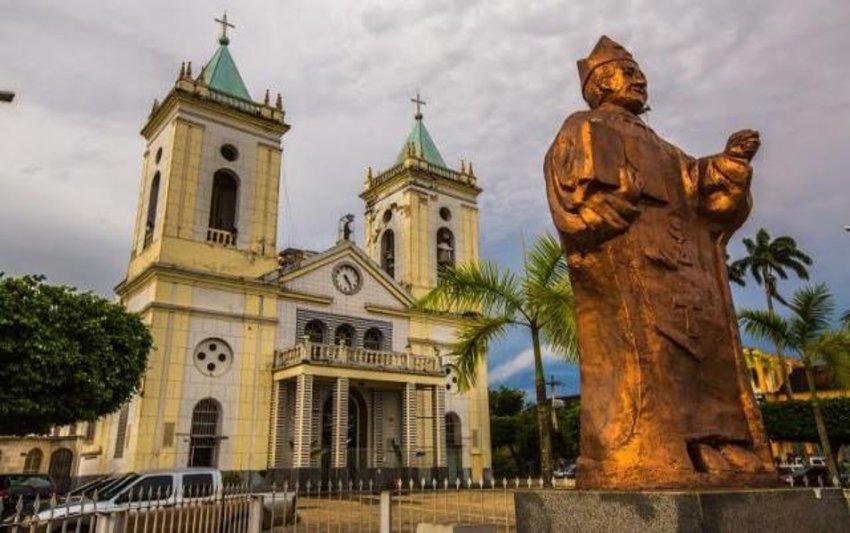 Semana Santa na catedral  Metropolitana de P. Velho - Omedino Pantoja atuara como Cristo  na peça 'Está Consumado' em Belém