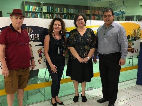 Uninter contribui com formação do acervo da Biblioteca Paulo Queiroz