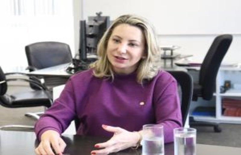 Projeto de lei de Jaqueline Cassol garante trabalho às mulheres vítimas de violência doméstica e familiar