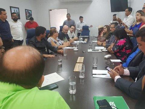 Vereador Palitot questiona contratos de transporte escolar fluvial