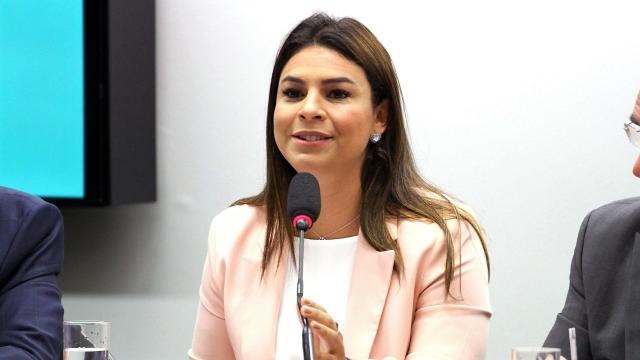 Mariana reforça luta a favor de pacientes com doenças raras - Gente de Opinião