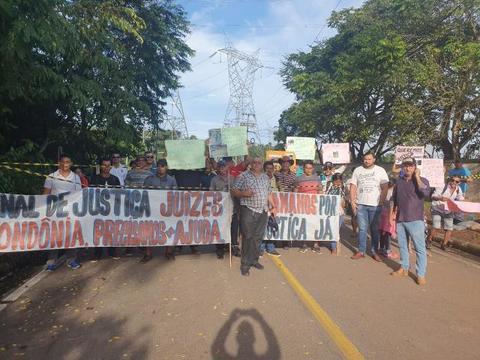 Santo Antônio Energia: Atingidos por barragens bloqueiam estradas de acesso a usina