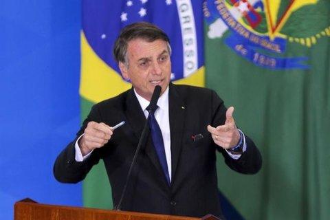 Presidente Bolsonaro assina novas regras para atiradores e caçadores