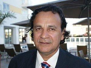 Laerte Gomes atento - Valdir Raupp deverá abrir mão do cargo na direção nacional. -Atuante Elton Assis na OAB - Gente de Opinião
