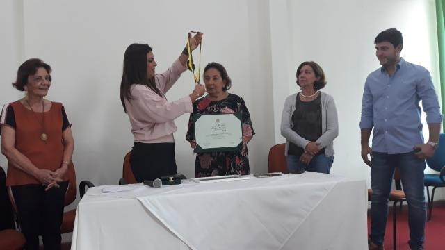 Glória Valladares recebe  Medalha Mérito Legislativo - Girassol a Explosão do Norte  leva todas os prêmios na Rádio Farol - Gente de Opinião
