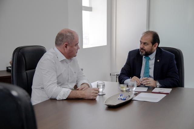 Laerte Gomes discute esgotamento sanitário de Ji-Paraná com o prefeito Marcito Pinto - Gente de Opinião