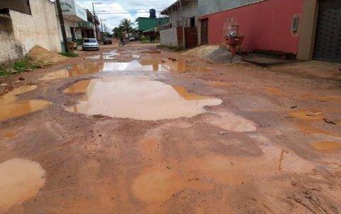 Vereadora Cristiane Lopes requer asfalto para ruas do bairro Igarapé