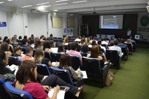 Auditório lotado no I Seminário da AMB-RO em pediatria