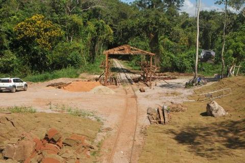 Prefeitura de Porto Velho constrói estação e trabalha paisagismo para passeio da litorina