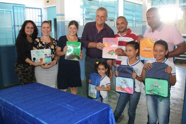 Adelino Follador participa de entrega de material pedagógico em Monte Negro - Gente de Opinião