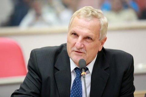 Projeto de Follador cria parlamento que vai eleger 24 deputados mirins