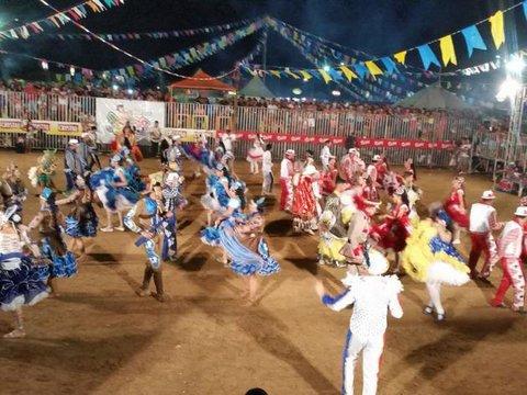 Manhoso e Coração Dourado  encerram 12ª Arraiá Leste - Dia do evangélico será comemorado  com show