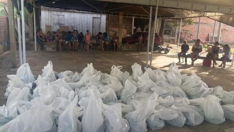 Rolim de Moura – Mais de 60 famílias do Bairro São Cristóvão recebem alimentos pela prefeitura
