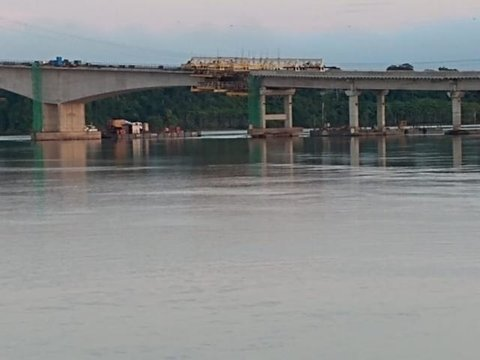 Ponte de Abunã executa concretagem final dia 29