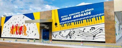 Escola Municipal Jorge Andrade abre inscrições para curso de Canto e Flauta Doce para adultos
