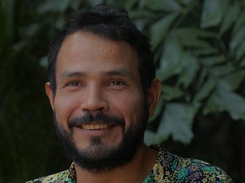 A força imaterial de Elizeu Braga, poeta e performer beradeiro