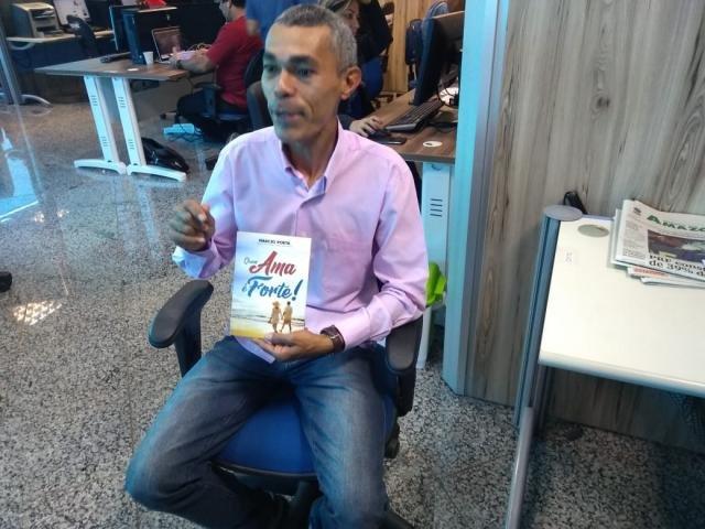Marcio Vieira do Carmo  A história do Marcio Poeta o maior vendedor de livros de poesia de Rondônia - Gente de Opinião