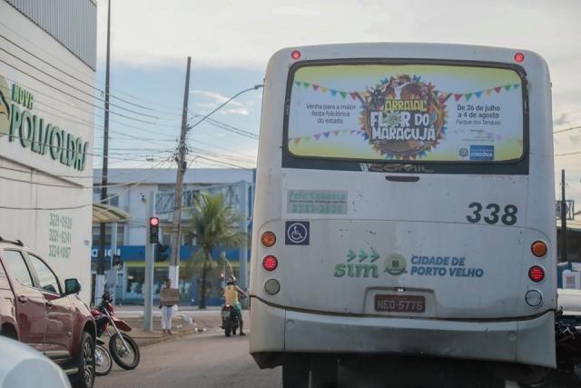 Lenha na Fogueira - Camafeu e Alciréia Tabosa  no Querubim - Escola de Samba os Diplomatas  Agora é Patrimônio Imaterial - Gente de Opinião