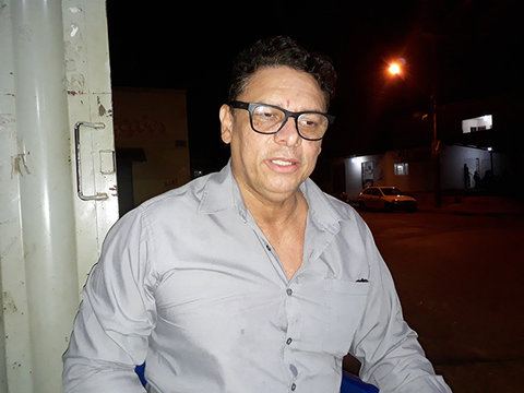 """Marcos Vinicius Danin, o """"verdadeiro"""" poeta beradeiro da Amazônia."""