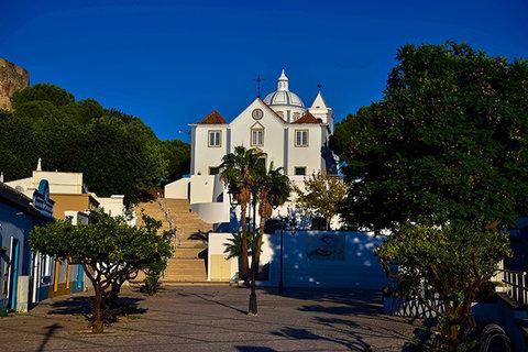 Monte Gordo, um paraíso para veraneio,  a 322 quilômetros de Lisboa