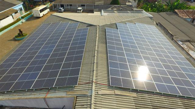 Ceron entrega painel de energia solar que vai reduzir em mais de R$ 4 mil conta de luz - Gente de Opinião