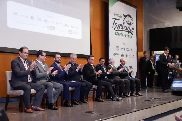 Bolsonaro aprova o sabor do Tambaqui de Rondônia - Gente de Opinião