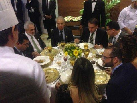 Bolsonaro aprova o sabor do Tambaqui de Rondônia