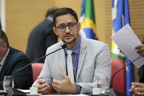 Deputado Anderson Pereira apresenta projeto que assegura vagas em concursos públicos para profissionais de segurança no trabalho