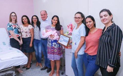 Semana do Bebê: recém-nascido recebe chave simbólica de Ji-Paraná